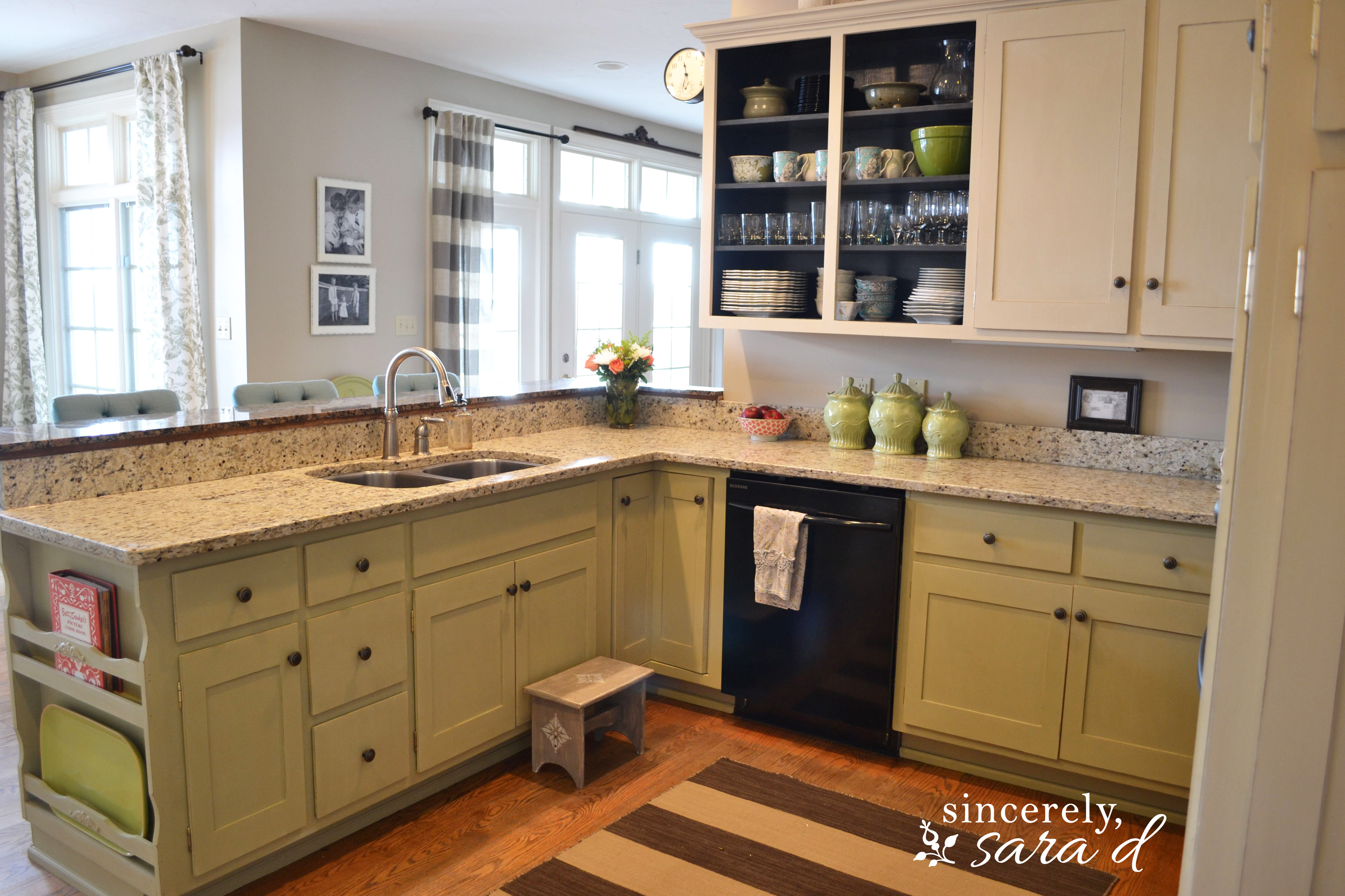 Painting kitchen cabinets with chalk paint update Pictures of painted cabinets