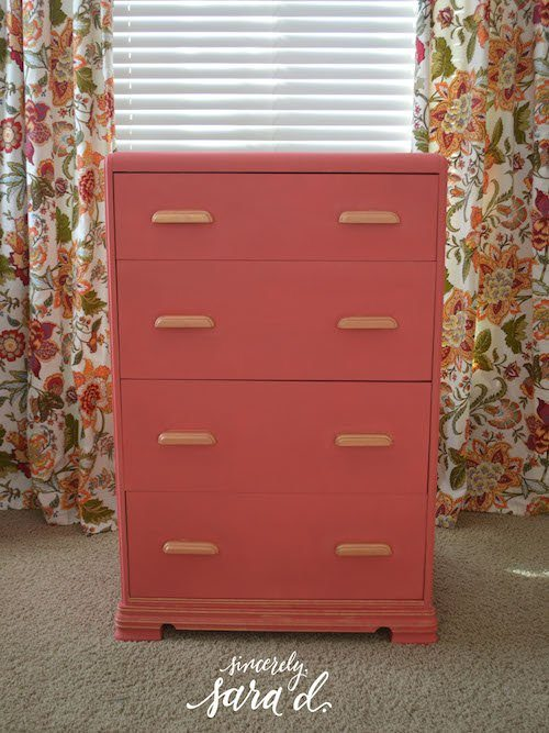 Mixing the Perfect Coral with Chalk Paint