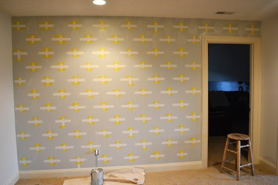 Painting a patterned wall with delicate frog Tape