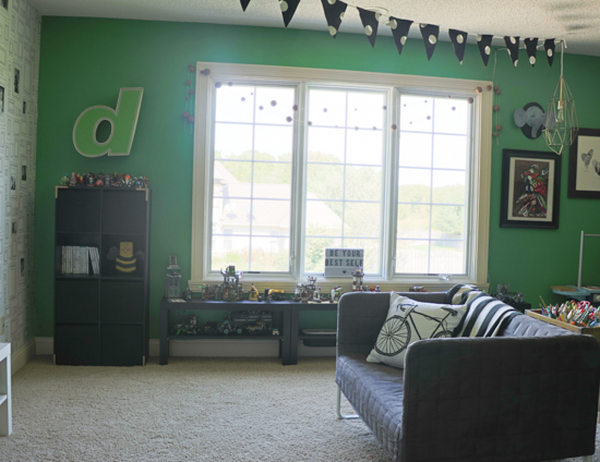 bold-toy-room