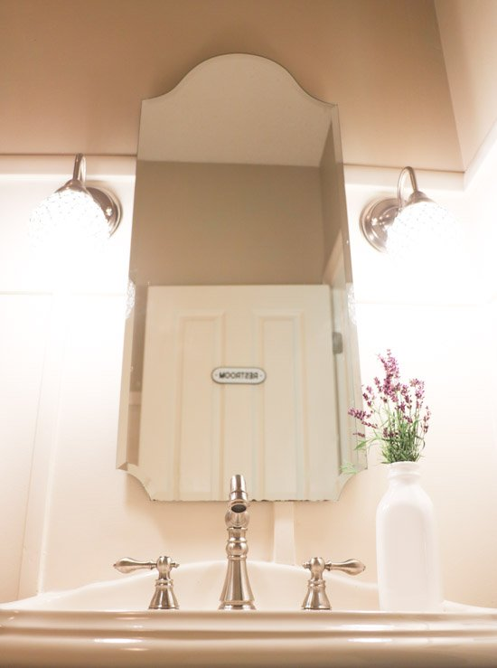 Inexpensive Bathroom Updates (1 of 1)
