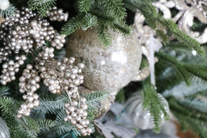 christmas-tree-decor-tutorial