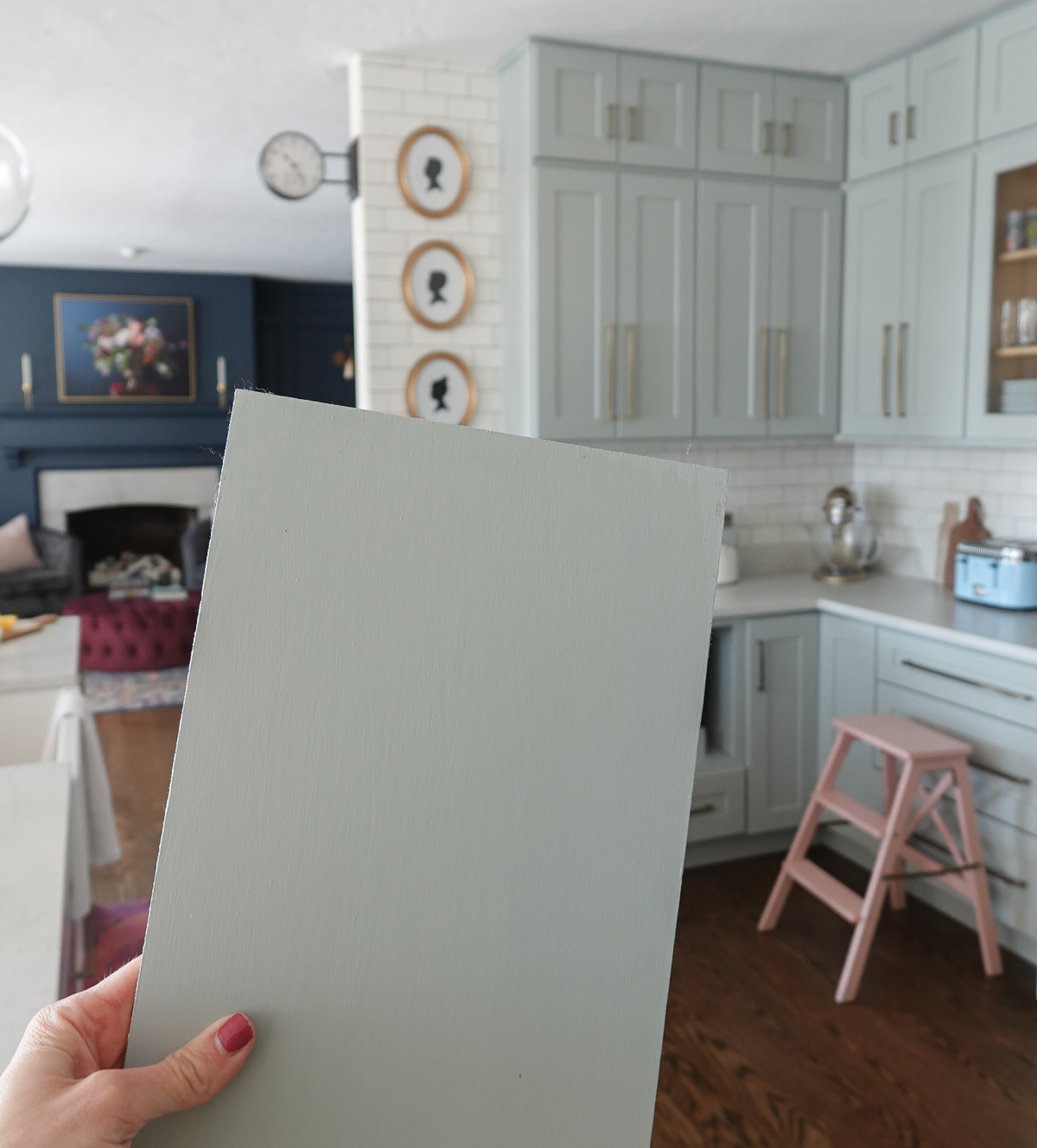 Beautiful Cabinet Color